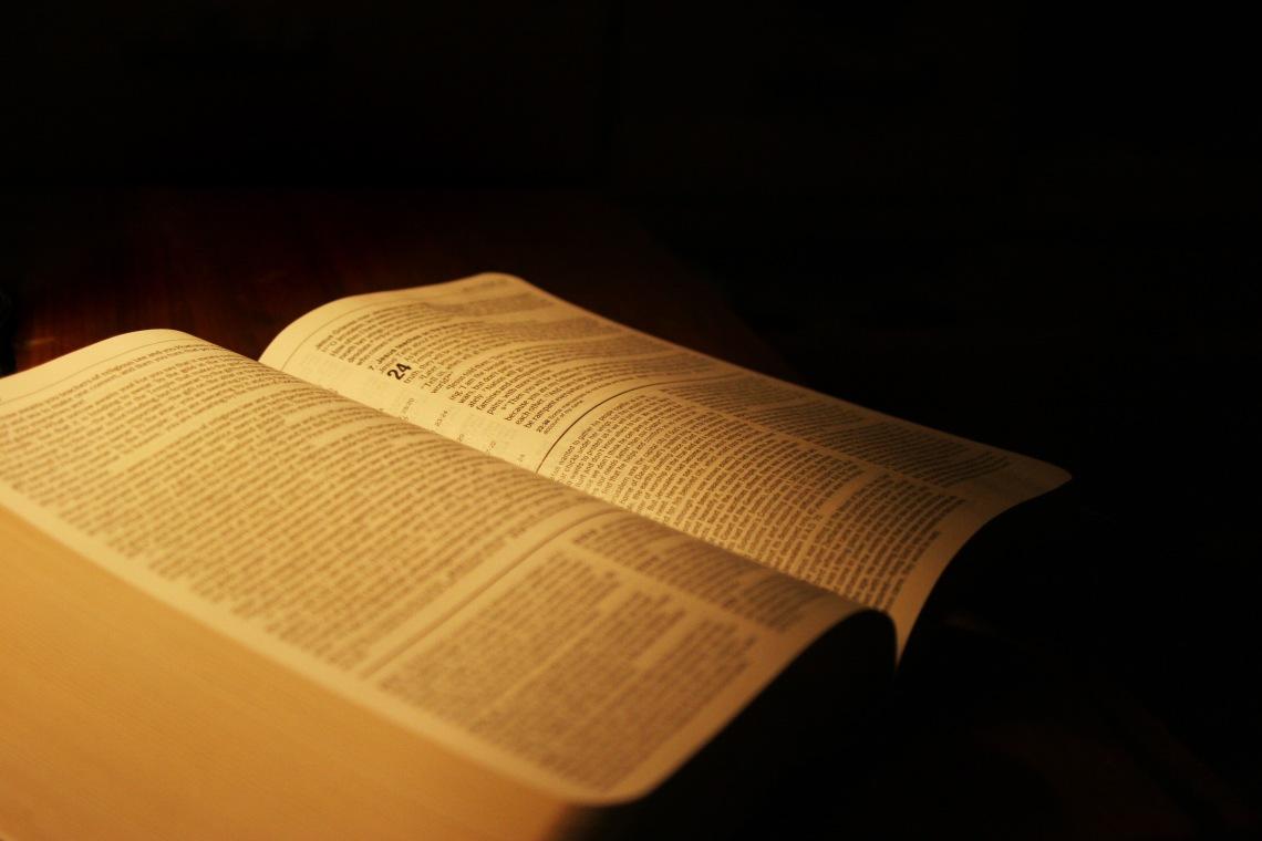 Bible id-954634
