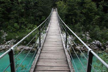 wooden_bridge_over_soc48da_river