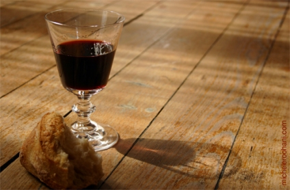 wine-glass-on-parquet-bread-michele-roohani